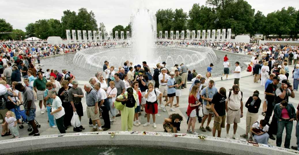 world war II memorial, washington d.c., atlantic and pacific fronts, memorial day