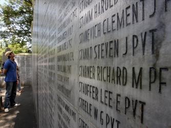 File:Bataan Memorial Death March 120325-A-TC907-865.jpg - Wikimedia ...