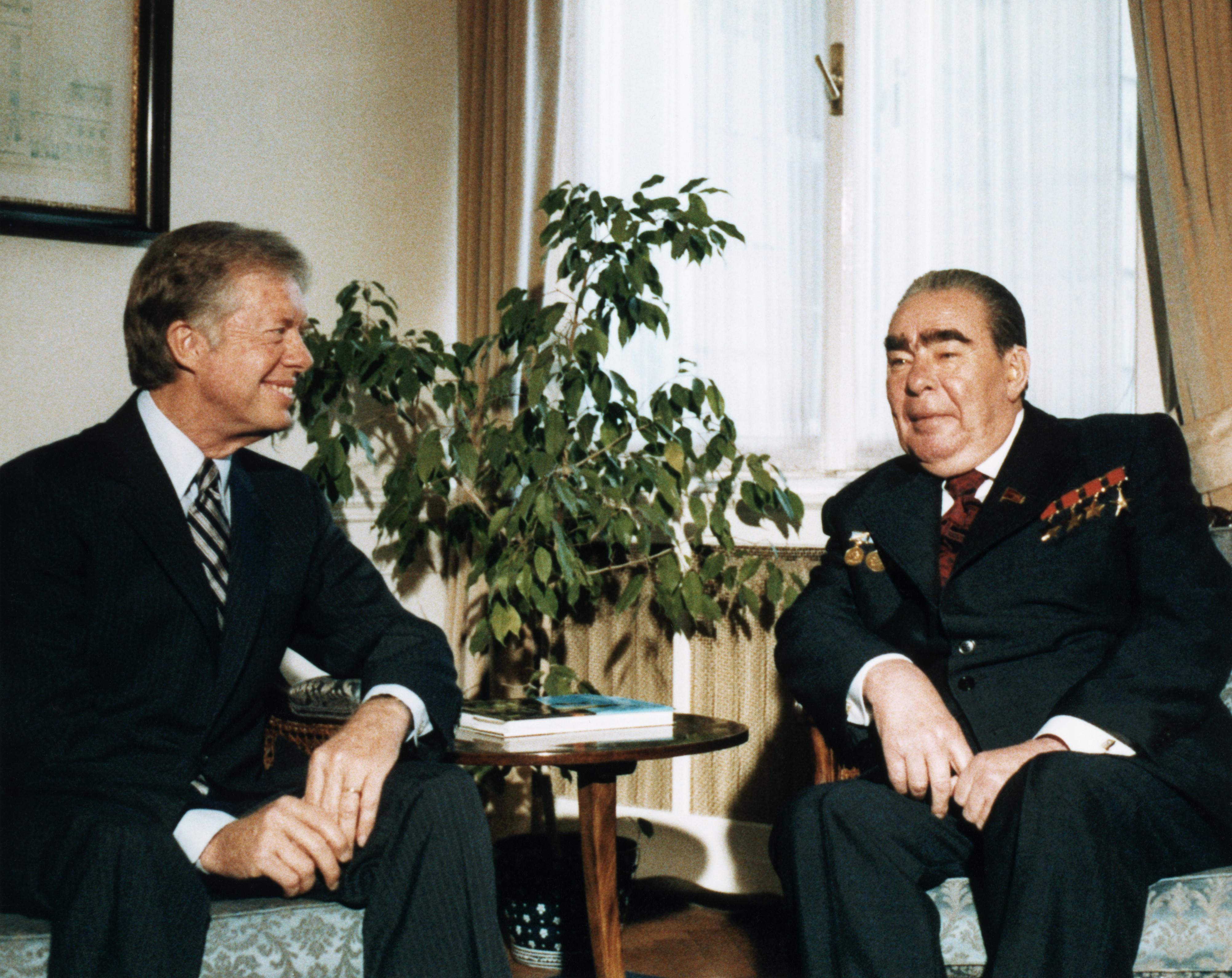Brezhnev-and-carter-at-salt-talks