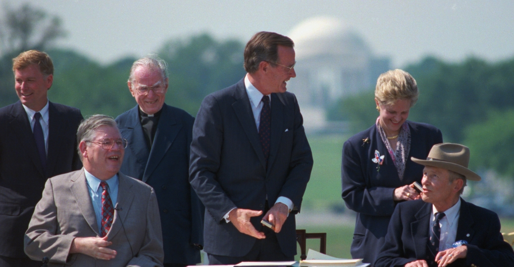 harold-wilke-with-george-bush-and-dan-quayle - George Bush ...