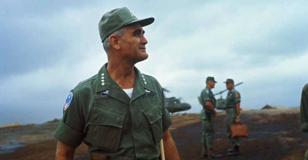 general william c. westmoreland, camp evans, vietnam soldiers, the vietnam war
