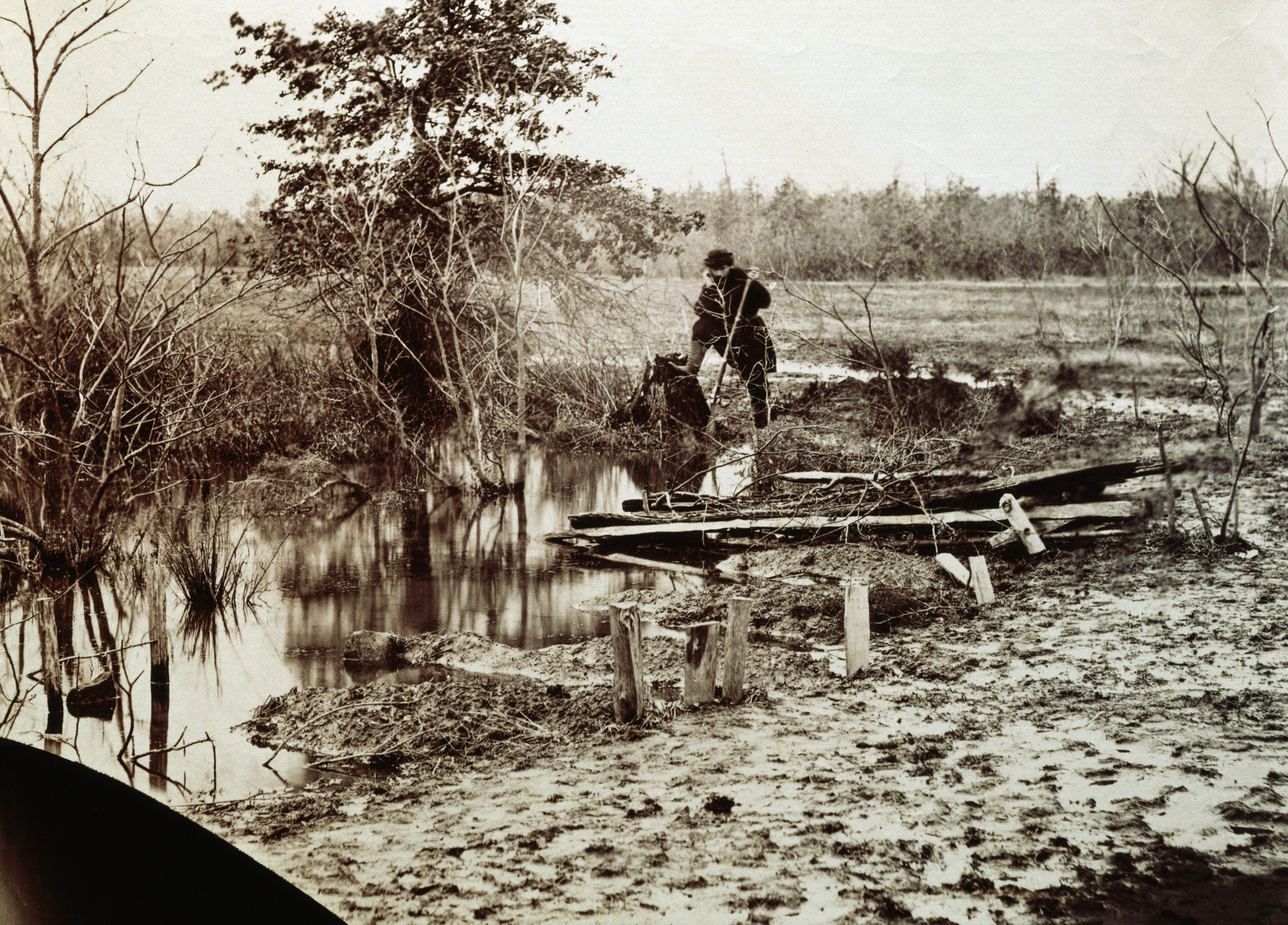 the battle of bull run history The battle developed slowly but eventually involved over 35,000 federal troops and 32,000 confederate forces federal forces under general irwin mcdowell attempted to flank confederate positions by crossing bull run but were turned back.