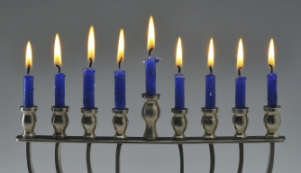 Hanukkah, menorah