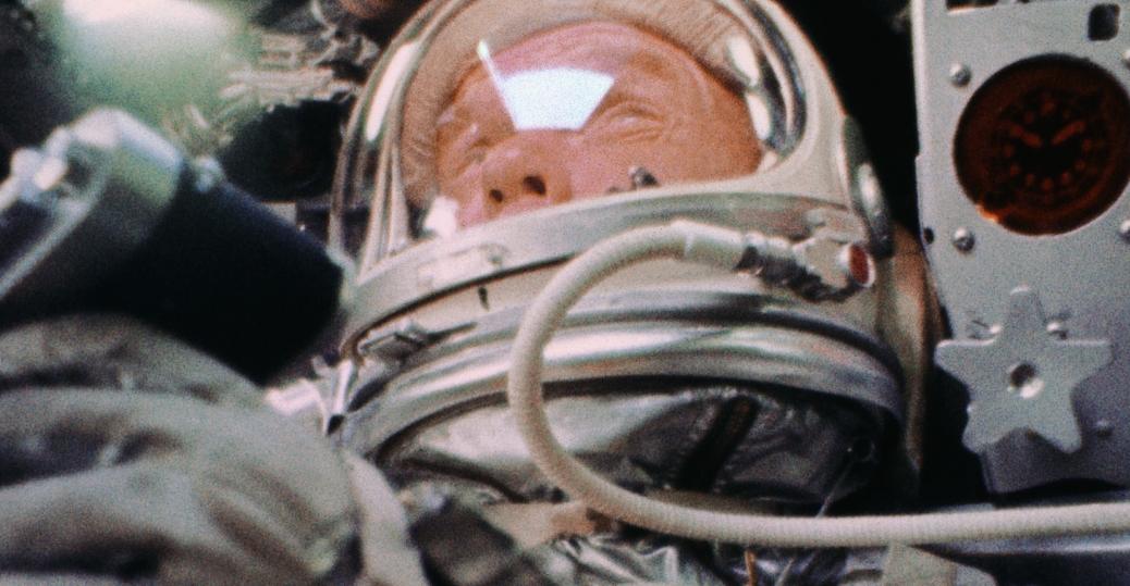 john glenn, astronaut john glenn, mercury atlas 6, friendship 7, spacecraft, orbiting earth, the space race