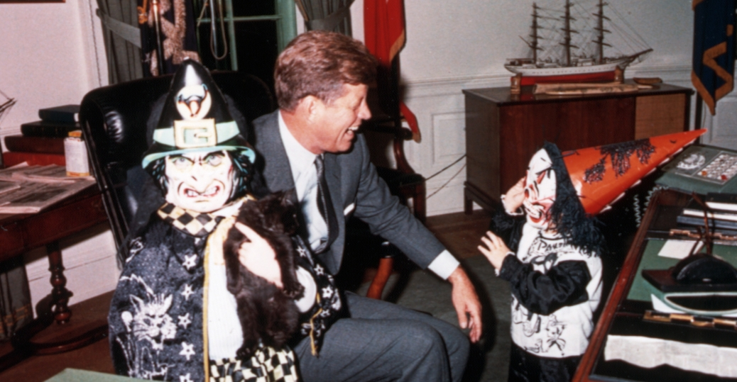 president kennedy, john f. kennedy, jfk, john jr. kennedy, caroline kennedy, the oval office, halloween, costumes, children, kennedy's on halloween, 1963
