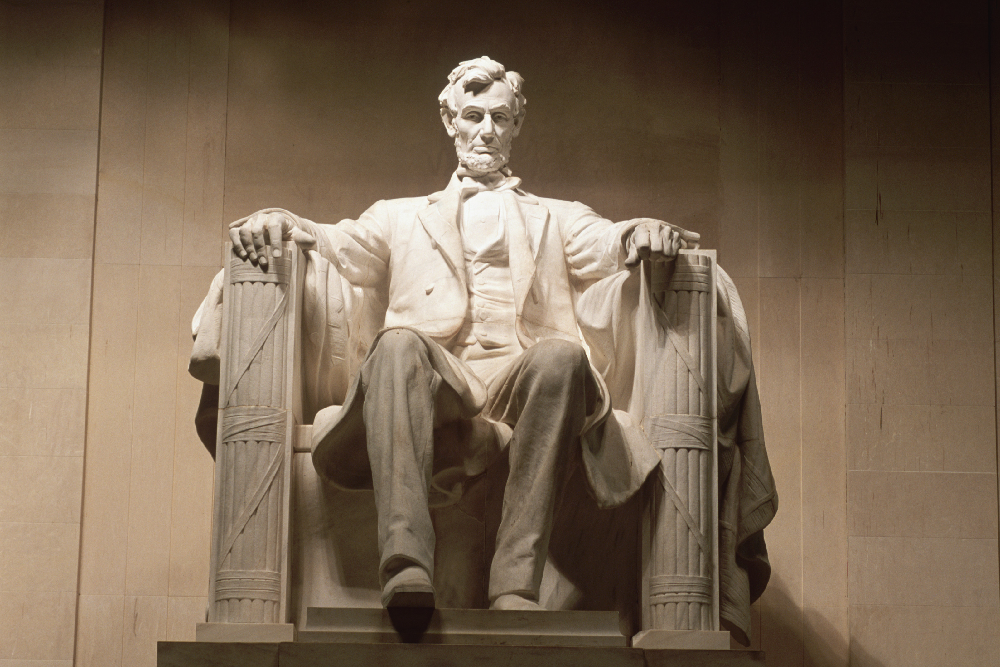 the leadership of president abraham lincoln during the civil war Abraham lincoln was the 16th president of the united states he is credited with preserving the union during the civil war and abolishing slavery within the confederacy.