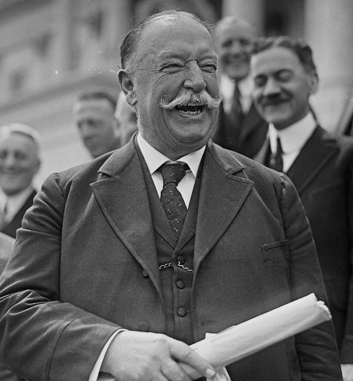 biography president taft William howard taft was born near cincinnati on september 15, 1857 taft went  to woodward high school in cincinnati, and then continued on to attend yale.
