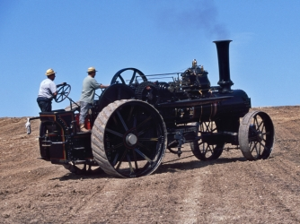 1800s, steam traction engine, self-propelled, industrial inventions