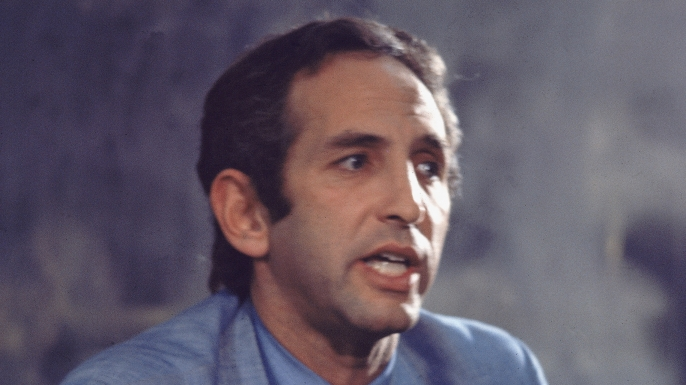 Daniel Ellsberg, publisher of 'The Pentagon Papers,' speaks at a press conference, 1970s. (Credit: Pictorial Parade/Getty Images)