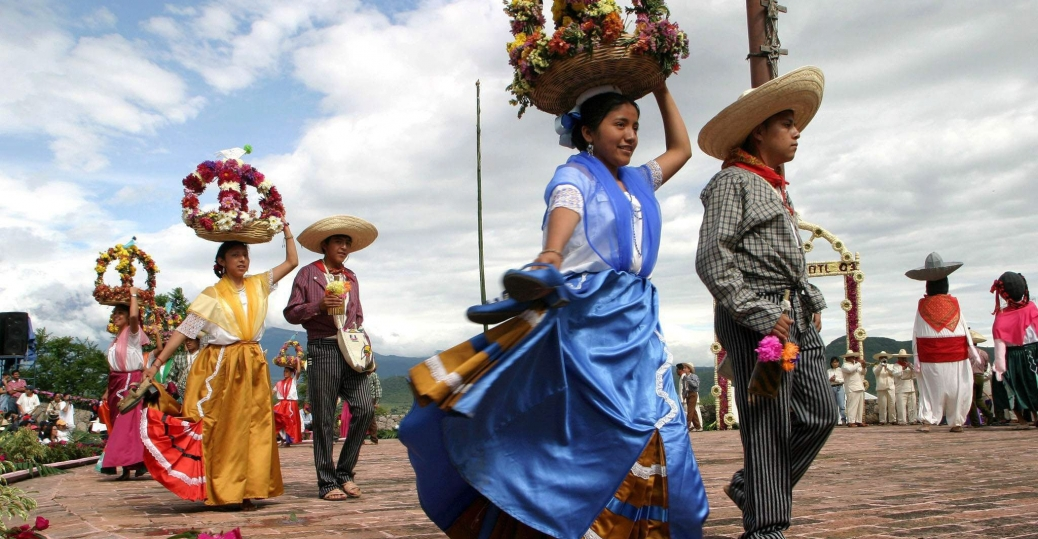 atlixquences women, mexican charros, huey atlixcayotl, great atlixcan tradition, nahuatl, last sunday of september, traditions, dance, puebla, mexico