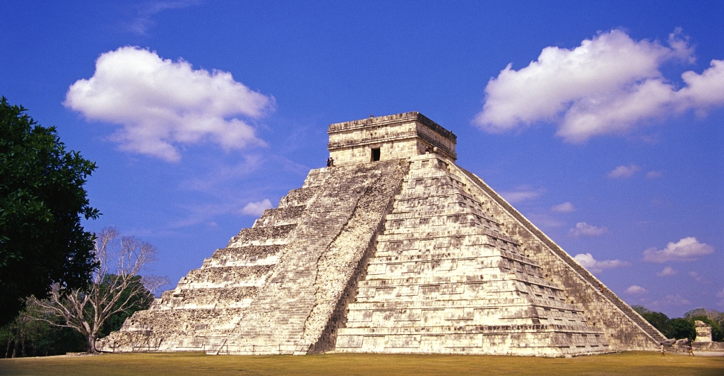 pyramid of kukulcan, chichen-itza, yucatan, mexico