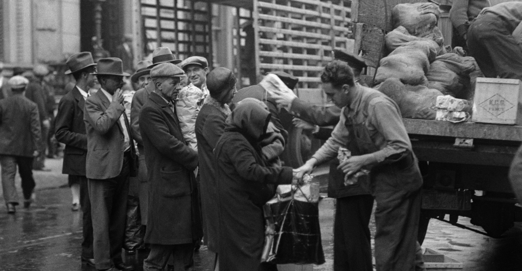 police handing food out soup kitchens and breadlines