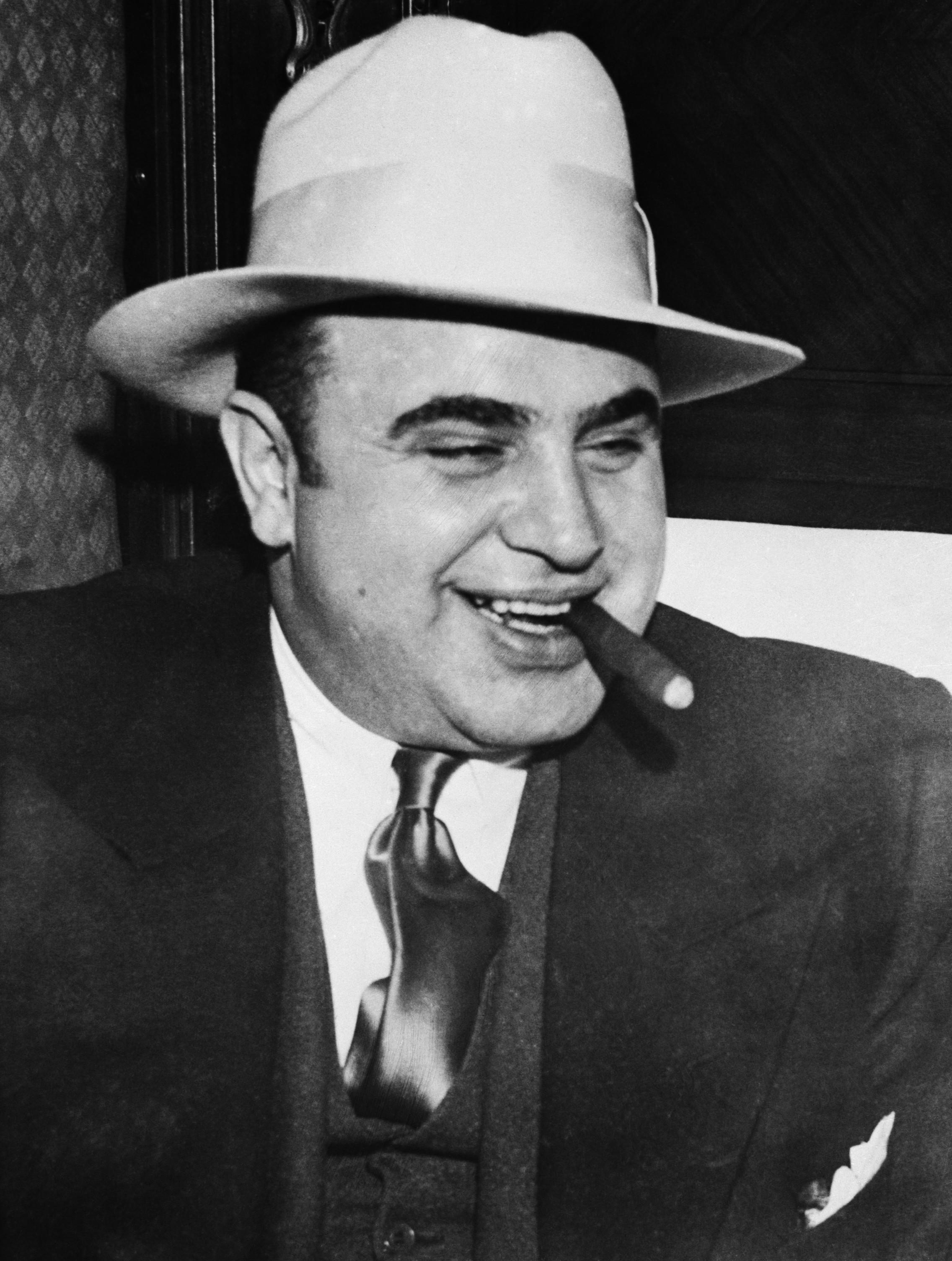 Al capone alphonse capone scarface organized crime chicago 1920s
