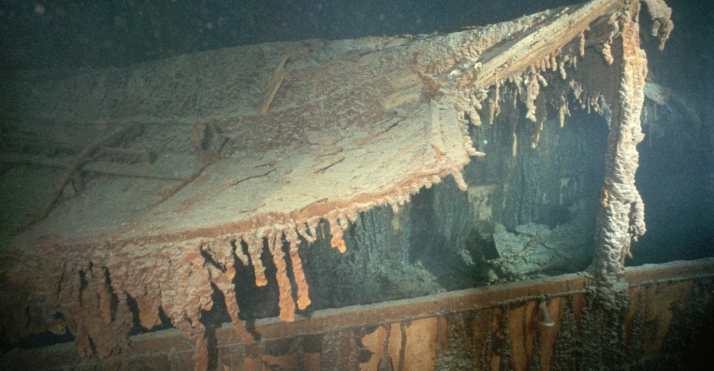 the titanic, the boat deck, the promenade deck, the titanic wreckage, 1912, 1995