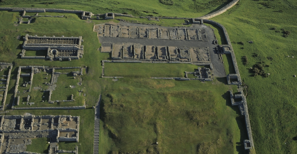 roman fort ruins, hadrian's wall, housestead, roman empire, ancient rome, barbarian tribes, northern great britain, roman architecture and engineering