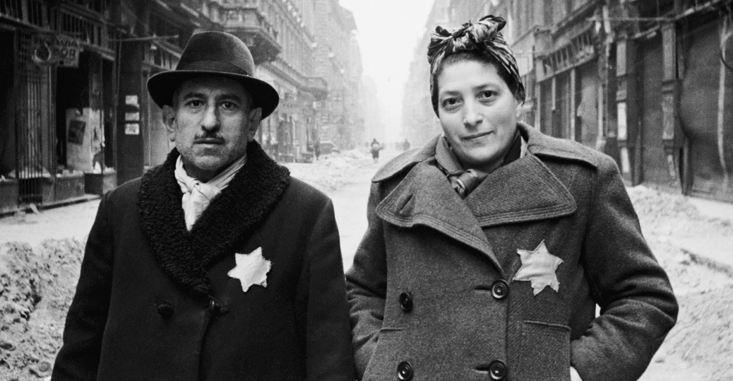jewish couple, budapest, yellow stars, 1944, hungary, the holocaust, world war II