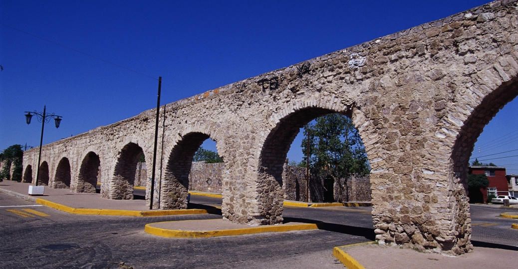 colonial aqueduct, chihuahua, mexico