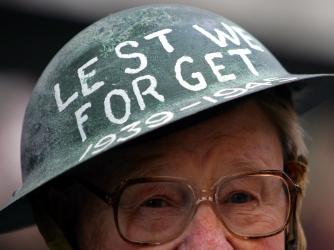 wwII helmet, war veteran, pat lee, sydney, australia, v-j day, 60th anniversary of v-j day