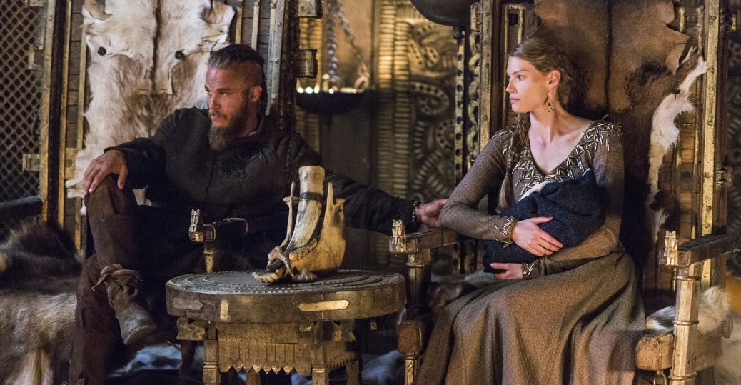 Travis Fimmel as Ragnar, Alyssa Sutherland as Princess Aslaug