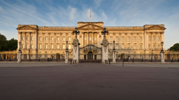 buckingham palace research papers These fine wallpapers evoke the splendor of buckingham palace.