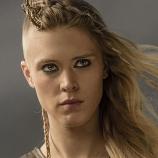Gaia Weiss as Porunn