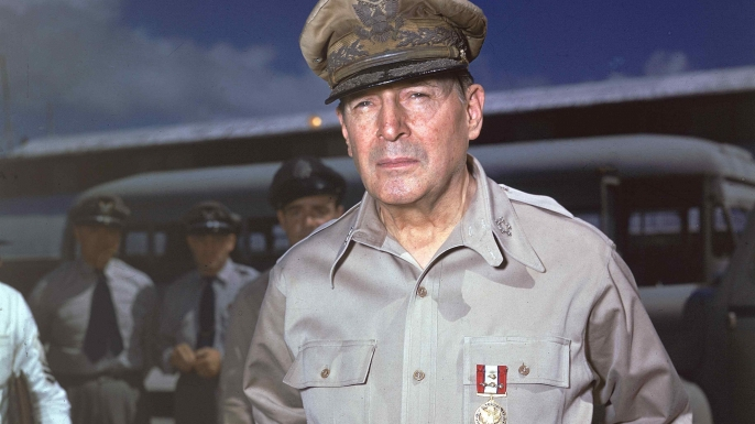 list 6 Military Renegades Douglas MacArthur