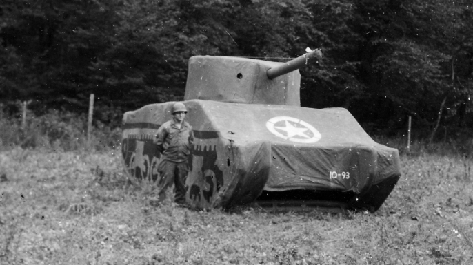 list 7 Unusual Military Unites Ghost Army