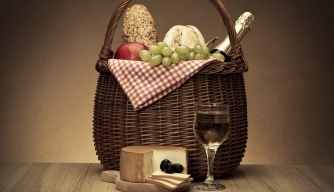 History in a Basket: It's Picnic Time!