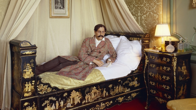 list 8 Historical Figures with Unusual Work Habits proust