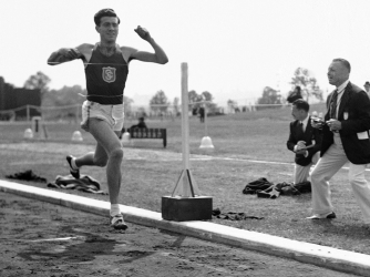 Zamperini competing in a 1939 track meet (Credit/AP Photos)
