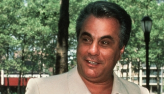 John Gotti arrives at a Brooklyn courthouse to appeal a 1986 conviction.