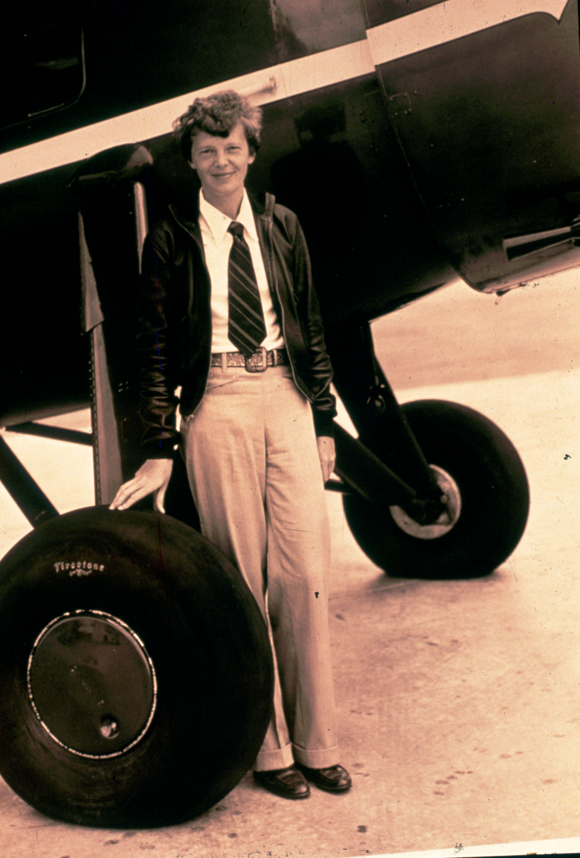 amelia earhart a hero essay Amelia earhart essay - the leading student writing company - purchase  hero  and collaborative environment through the atlantic ocean on reviewessays.