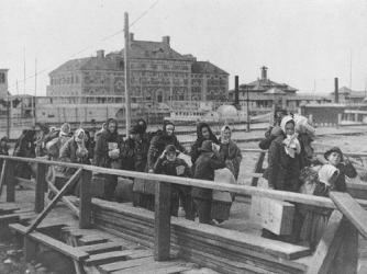 Ellis Island arrivals, 1902