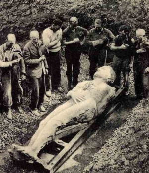 Excavation of the Cardiff Giant, 1869