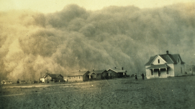 A dust storm approaches Stratford, Texas in April, 1935. (Credt: NOAA/MCT/MCT/Getty Images)