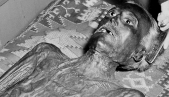 The purported mummy of John Wilkes Booth in 1937
