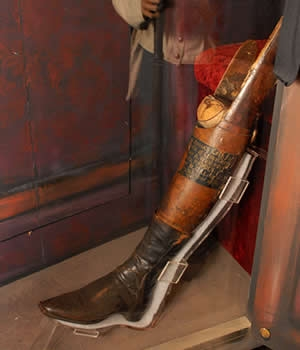 General Santa Anna's prosthetic leg (Credit: Illinois State Military Museum, Department of Military Affairs, Springfield)