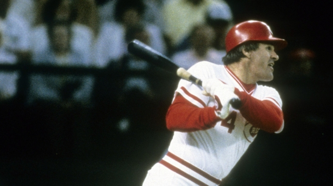 Pete Rose surpasses Ty Cobb with his 4192 hit on September 11, 1985.