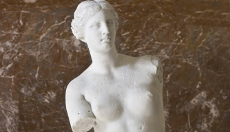 What happened to the Venus de Milo's arms?