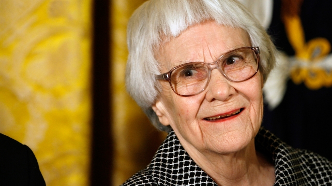 Harper Lee receives the 2007 Presidential Medal of Freedom in a ceremony at the White House. (Credit: Chip Somodevilla/Getty Images)
