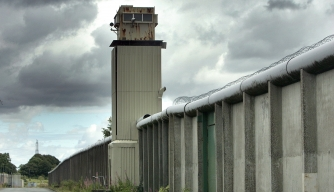 8 Remarkable Prison Breaks