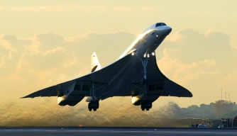 The final British Airways Concorde flight lifts off from John F. Kennedy Airport. (Credit: TIMOTHY A. CLARY/AFP/Getty Images)