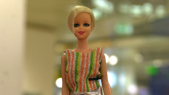 The first celebrity Barbie, Twiggy the supermodel. (Credit: Peter Bischoff/Getty Images)