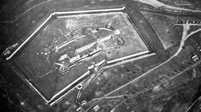 An aerial view of Fort Douaumont. (Credit: Public Domain)
