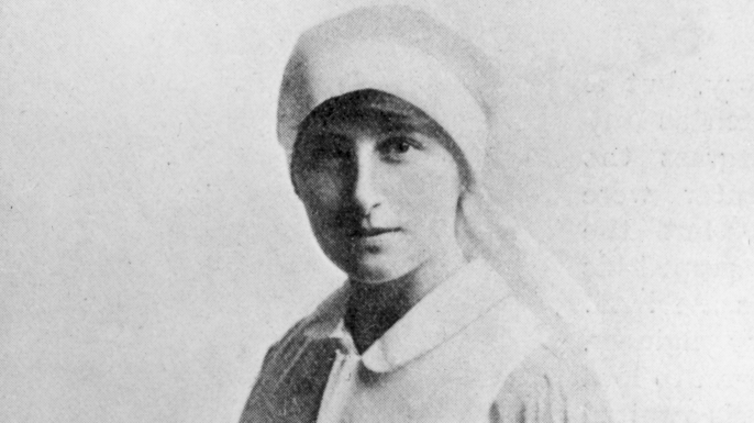 Vera Brittain in her nurse uniform.  (Credit: Hulton Archive/Getty Images)