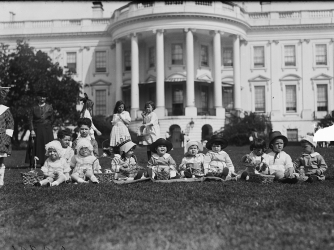 Children attend the Easter Egg Roll, c. 1921. (Credit: Library of Congress)