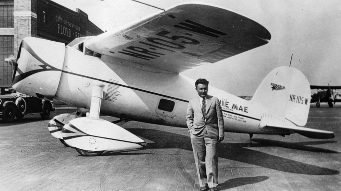 Wiley Post before making the first solo flight around the world, in 7 days, 18 hours and 49 minutes. (Credit: Hulton Archive/Getty Images)