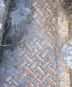 Mosaic found at Roman villa in Wiltshire. (Credit: Wiltshire Archaeological Service)