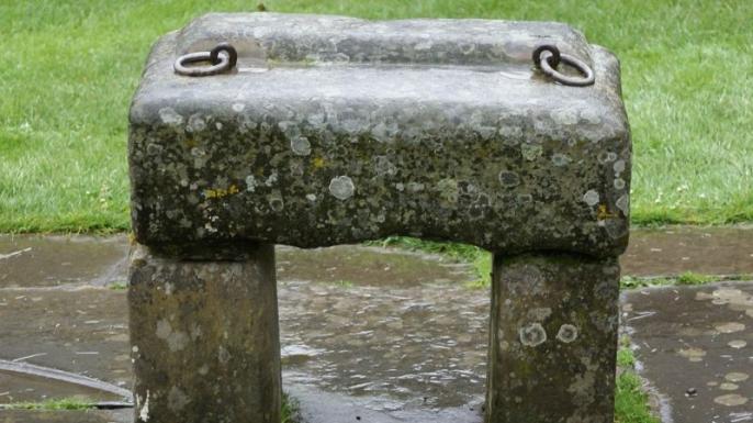 A replica of the Stone of Scone. (Credit: Public Domain)