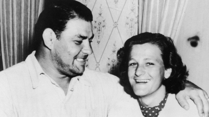 American athlete Mildred 'Babe' Didrikson and American wrestler George Zaharias pose together after announcing their engagement. (Credit: APA/Getty Images)